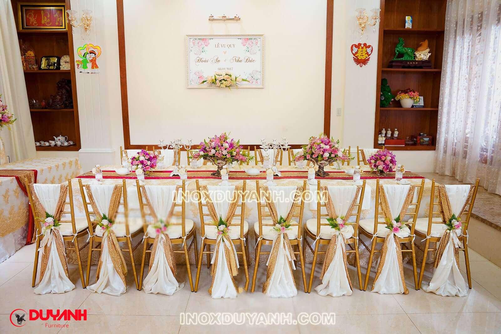 ghế chiavari đám cưới